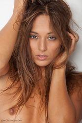 Dominika-Lips-To-Love-250fujhjaf.jpg