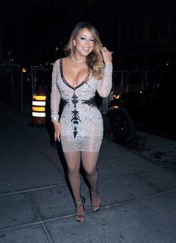 [Image: 30656355_Mariah_Carey25.jpg]