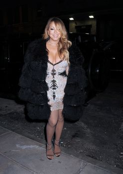 [Image: 30656360_Mariah_Carey31.jpg]