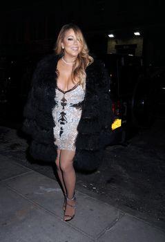 [Image: 30656361_Mariah_Carey32.jpg]